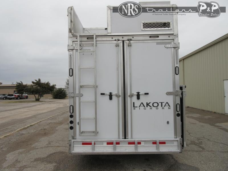 2021 Lakota Bighorn BH8418TCERSL 4 Horse Slant Load Trailer 18 FT LQ w/ Slideouts
