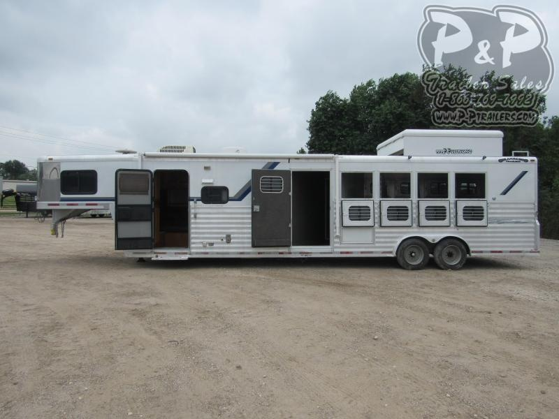 2002 Bloomer 8411 4 Horse Slant Load Trailer 11 FT LQ