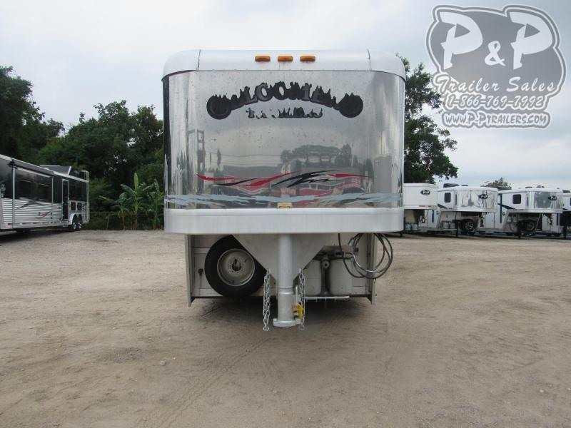 2002 Bloomer 8411 4 Horse Slant Load Trailer 11 FT LQ