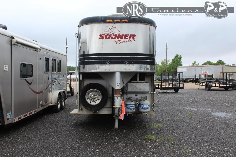1997 Sooner 7412 4 Horse Slant Load Trailer LQ w/ Ramps