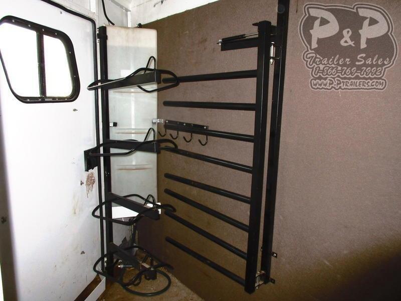 2005 Trails West Manufacturing 4 Horse 11' Shortwall 4 Horse Slant Load Trailer 11 FT LQ