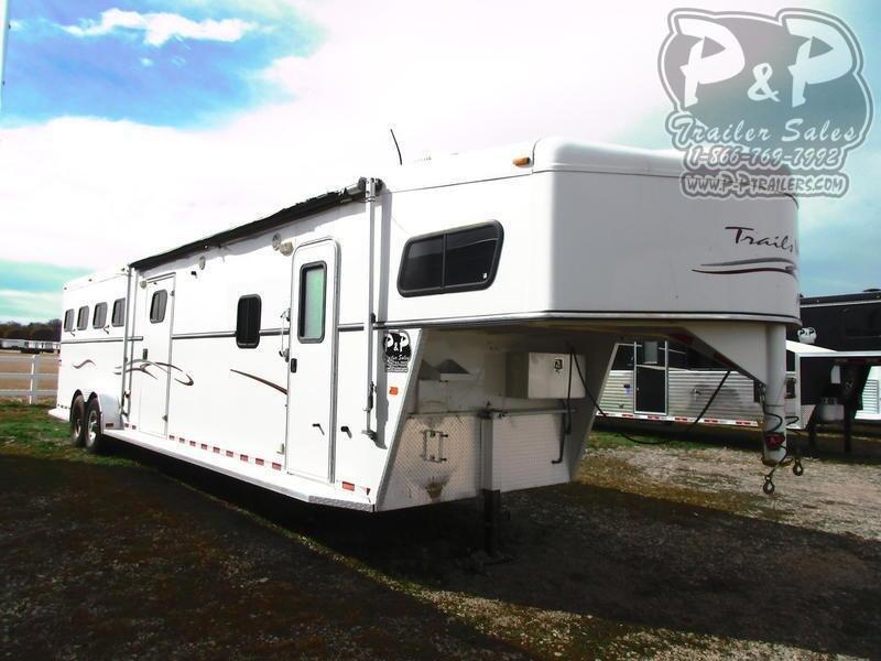 2005 Trails West Manufacturing 8411 4 Horse Slant Load Trailer 11 FT LQ