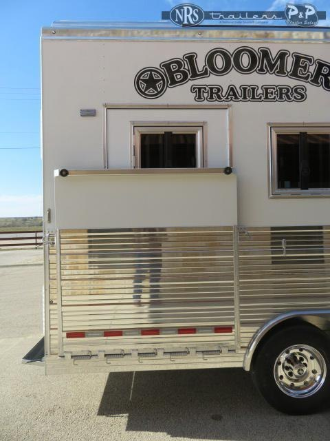 2021 Bloomer 8415PCOLSR 4 Horse Slant Load Trailer 15 FT LQ w/ Slideouts