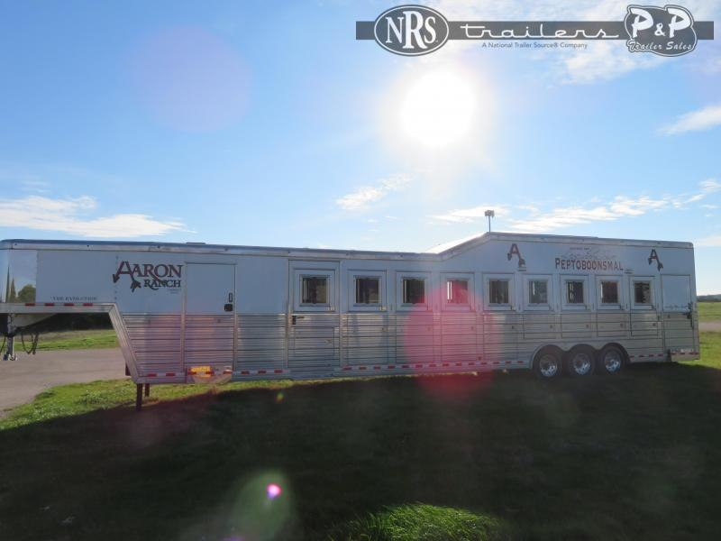 2014 Bloomer 9H Trainer PC Load 9 Horse Slant Load Trailer