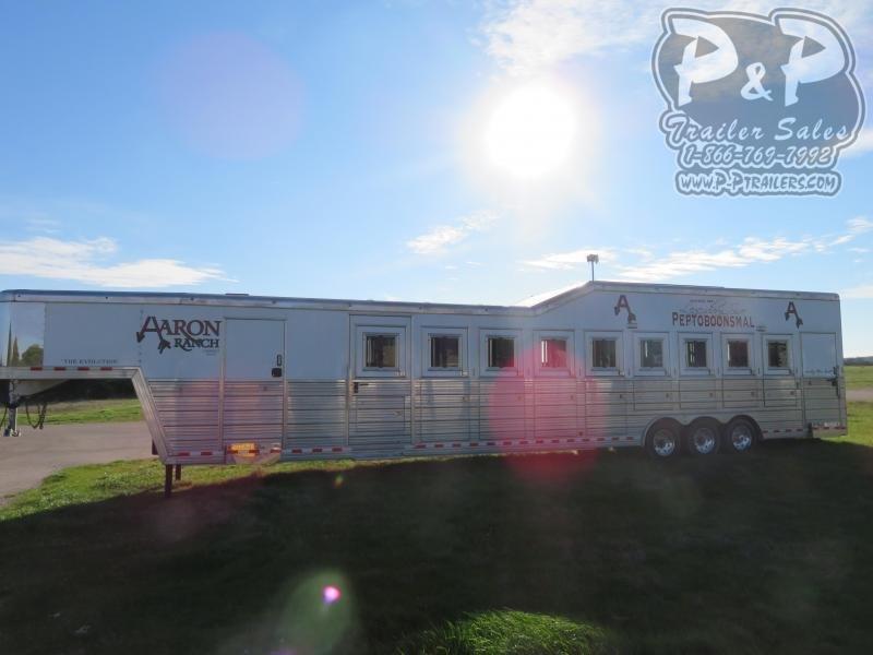2014 Bloomer 9H Trainer PC Load 9 Horse Slant Load Trailer w/ Ramps