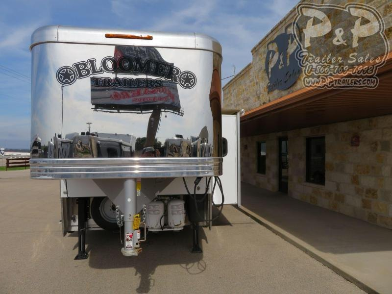 """2018 Bloomer PC Load Trail Boss 5 Horse Slant Load Trailer 15' 10"""" FT LQ With Slides w/ Ramps"""
