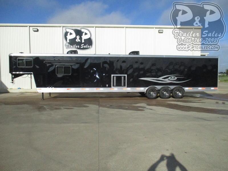 2019 P and P 85380-90-GN-LQ 38 ' Toy Hauler RV
