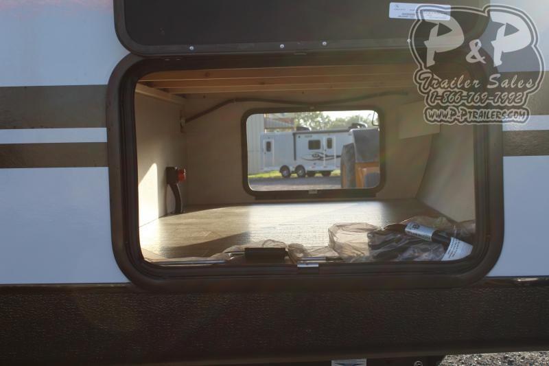 2021 Winnebago Minnie 2401RG Travel Trailer RV