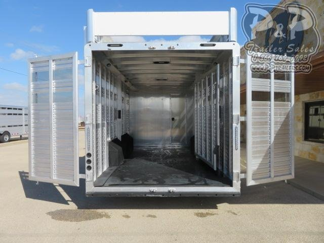 2021 SMC Horse Trailers SLE81614SSRT w/ Bunks 38 ' Livestock Trailer LQ
