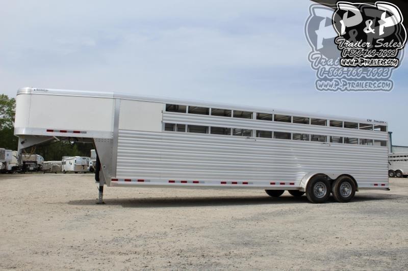 2020 CM Roundup AL 28 68 W x 7' T 28 ft Livestock Trailer