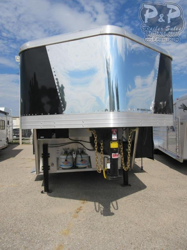 2021 Bison Trailers 8416LDSSRSL 4 Horse Slant Load Trailer 16 FT LQ With Slides