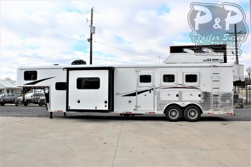 2021 Bison Trailers Ricochet RC8313B.S 3 Horse Slant Load Trailer 13 FT LQ With Slides