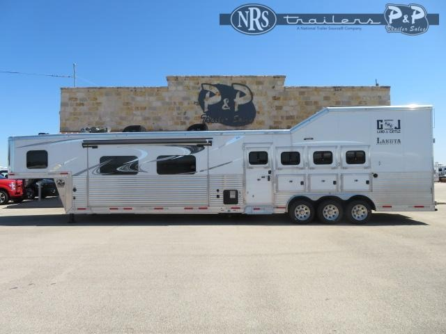 2019 Lakota Bighorn BH8418CERSL 4 Horse Slant Load Trailer 18 FT LQ With Slides w/ Ramps