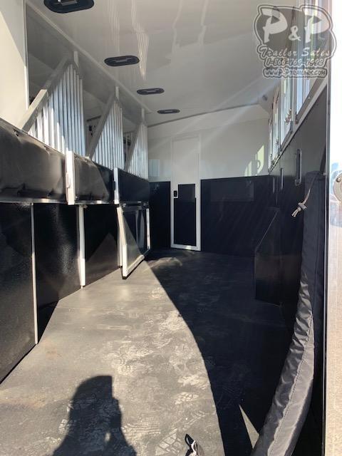 2021 Bison Trailers Ricochet RC8413B.S 4 Horse Slant Load Trailer 13 FT LQ With Slides