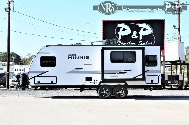 2021 Winnebago Micro Minnie 2225RL 25 ' Travel Trailer RV