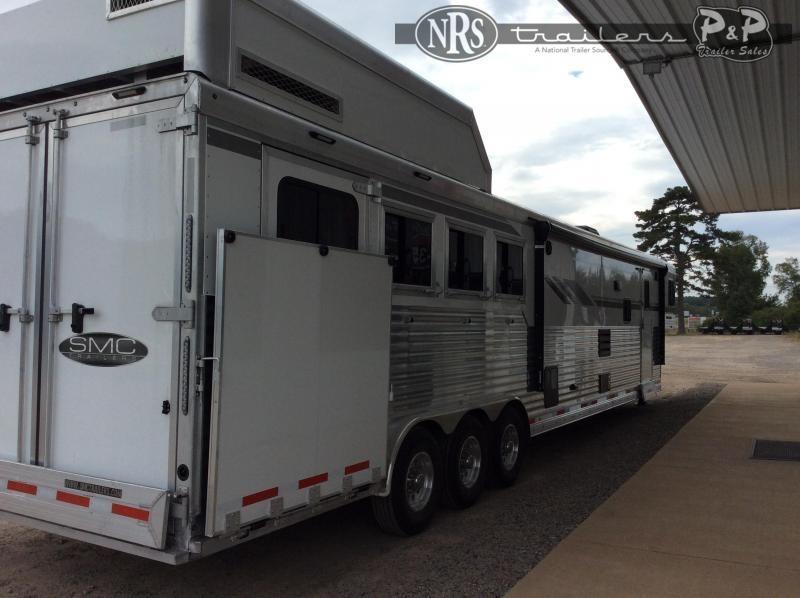2021 SMC Horse Trailers Laramie SL8418SCEBT 4 Horse Slant Load Trailer 18 FT LQ w/ Slideouts