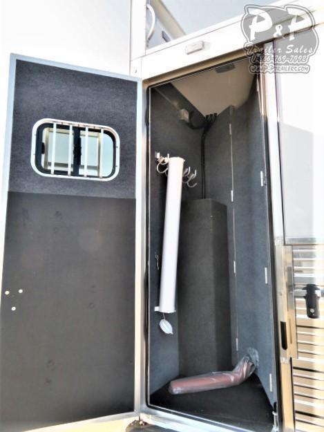 2020 Bloomer 8420OL 4 Horse Slant Load Trailer 20 FT LQ With Slides w/ Ramps