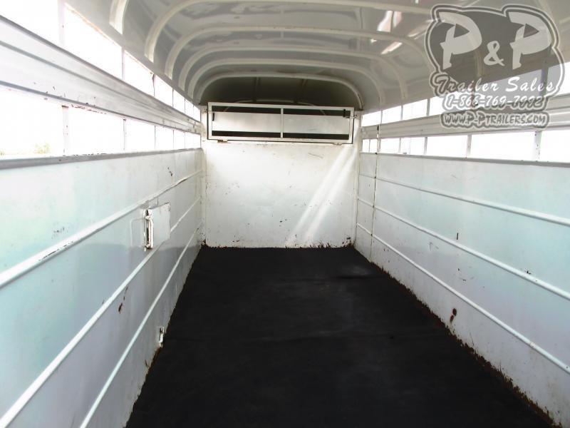 2009 Delta Manufacturing G.N. Stock trailer 16' 16 ft Livestock Trailer