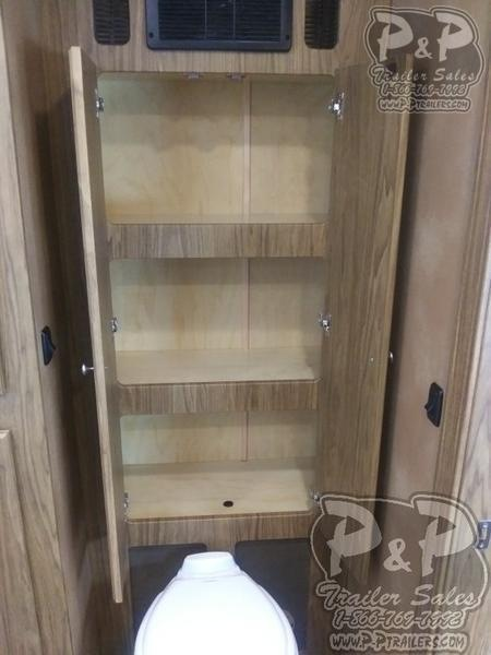 2019 P and P 85300-96-GN-LQ 30 FT Toy Hauler RV