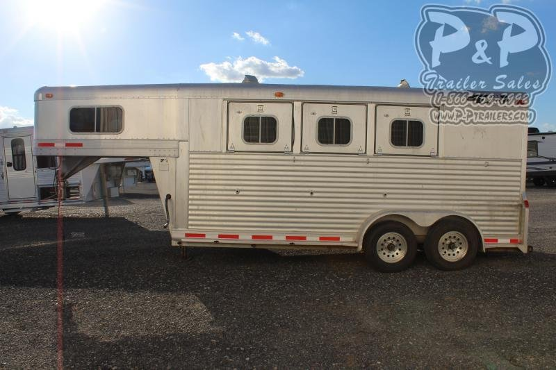 1998 4-Star Trailers 7304GN 3 Horse Slant Load Trailer