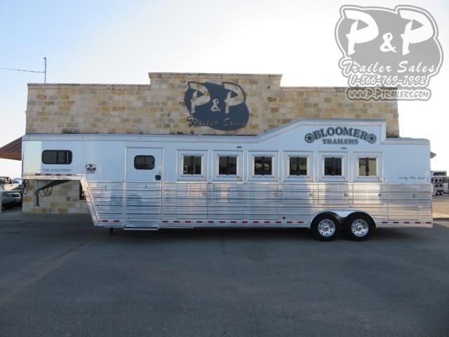 2015 Bloomer 6H Trainer 6 Horse Slant Load Trailer w/ Ramps