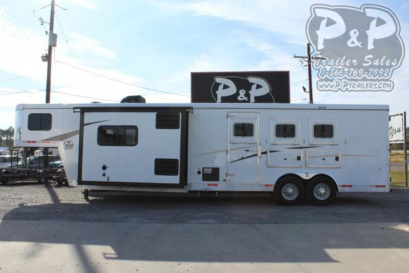2021 Bison Trailers 8313TBSO 3 Horse Slant Load Trailer 13 FT LQ With Slides