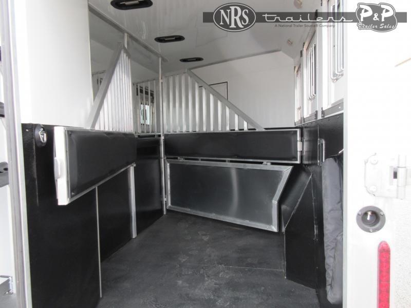 2021 Bison Trailers DS8313B.S 3 Horse Slant Load Trailer 13 FT LQ w/ Slideouts