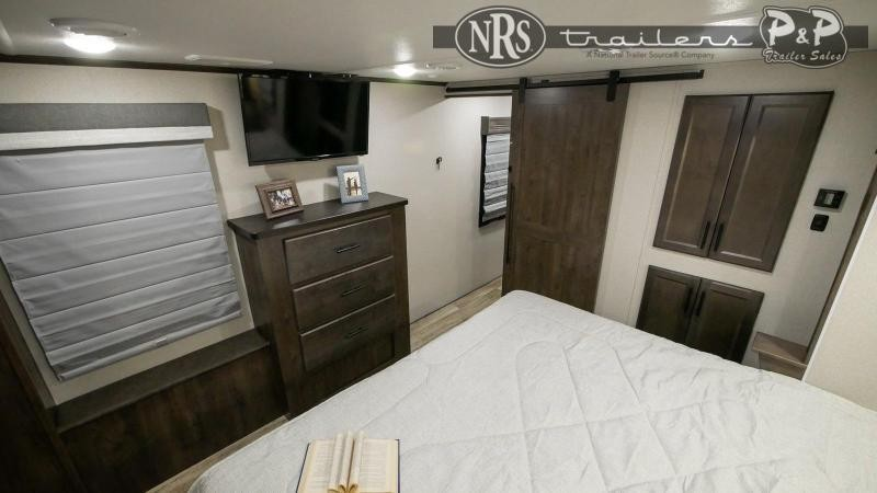 2021 Forest River Cardinal 352BHLE 41 ' Fifth Wheel Campers RV