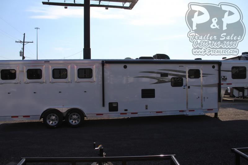 2021 Lakota Charger C8413SR 4 Horse Slant Load Trailer 13 FT LQ With Slides
