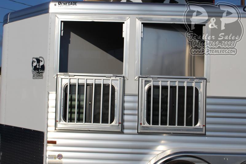 2021 CM CMH5042-13 2 Horse Slant Load Trailer