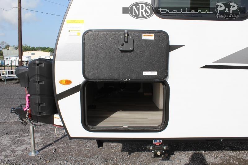 2021 Winnebago Micro Minnie 2108TB 22 ' Travel Trailer RV