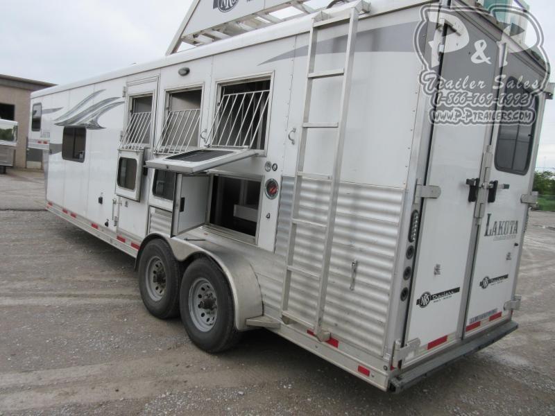 2018 Lakota Charger C311 3 Horse Slant Load Trailer 11 FT LQ