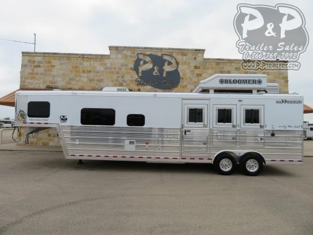 2021 Bloomer Outlaw Proline XP 3 Horse Slant Load Trailer 13 FT LQ