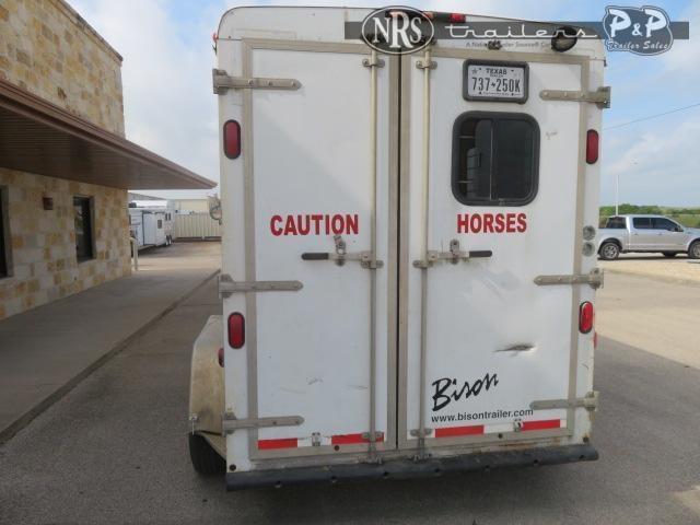 2007 Bison Trailers Trail Express 7210 2 Horse Slant Load Trailer 10 FT LQ