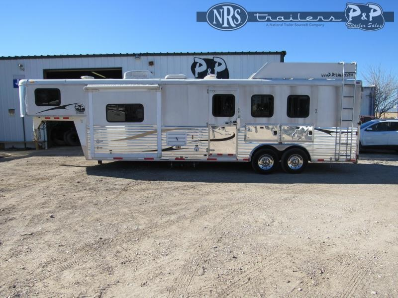 2012 Bison Trailers 8310TE 3 Horse Slant Load Trailer 10 FT LQ With Slides w/ Ramps