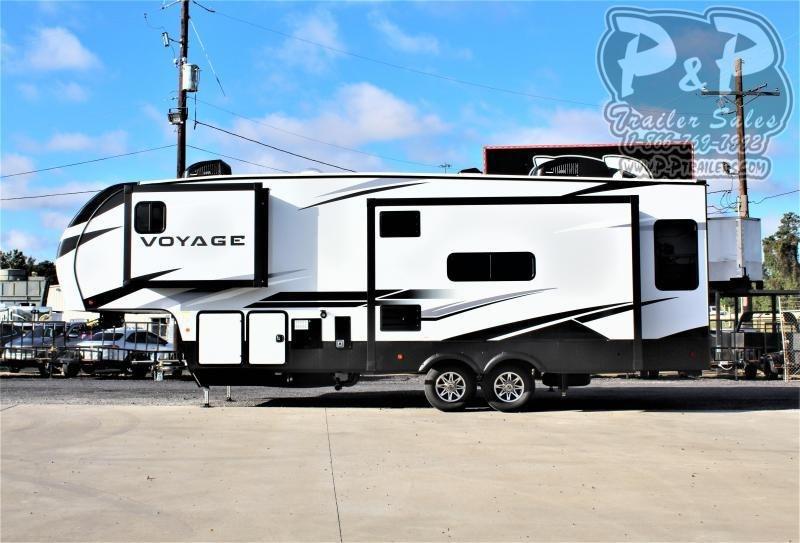 2021 Winnebago Voyage 2932RL 32 ' Fifth Wheel Campers RV