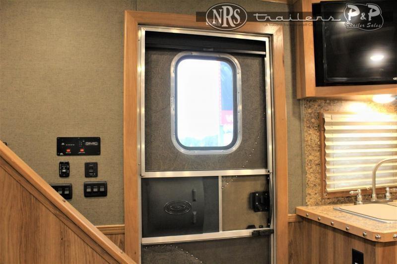 2021 SMC Horse Trailers SLE81614SSRT 37 ' Livestock Trailer LQ