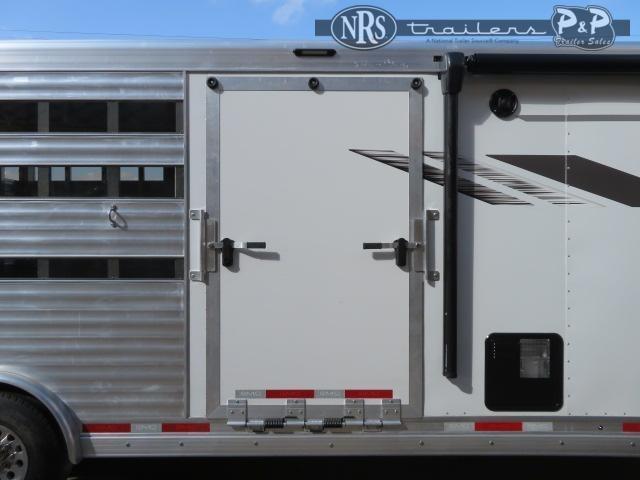 2022 SMC Horse Trailers SLE81614SSRT 38 ' Livestock Trailer LQ