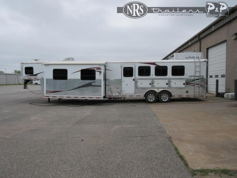 2006 Bison Trailers Stratus 8416 4 Horse Slant Load Trailer 16 FT LQ With Slides