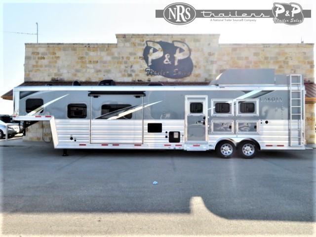 2021 Lakota Bighorn BH8316SRBRSL 3 Horse Slant Load Trailer 16 FT LQ w/ Slideouts