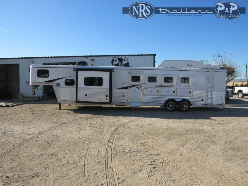 2021 Bison Trailers Desperado DS8413BSR 4 Horse Slant Load Trailer 13 FT LQ w/ Slideouts