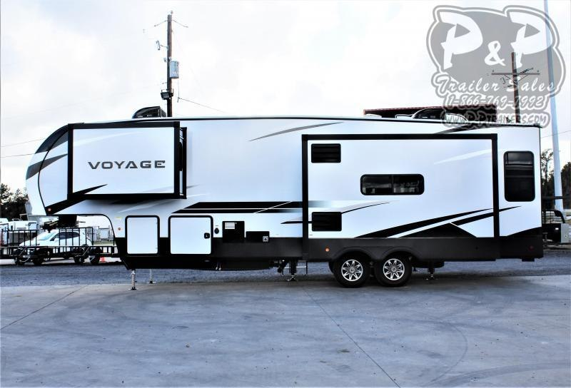 2021 Winnebago Voyage 3134RL 29 ' Fifth Wheel Campers RV