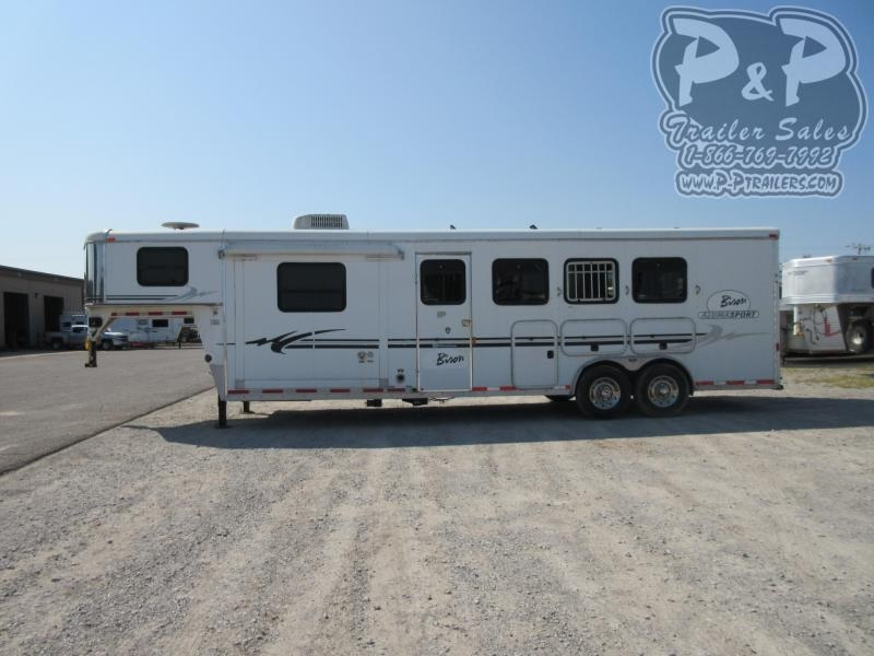 2004 Bison Trailers 8412SL 4 Horse Slant Load Trailer 0 FT LQ With Slides w/ Ramps