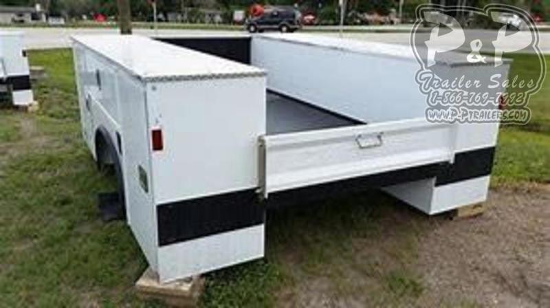 CM SERVICE BODY Truck Bed