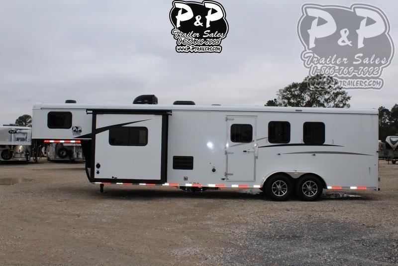 2021 Bison Trailers Trail Hand 7311TH 3 Horse Slant Load Trailer 11 FT LQ With Slides