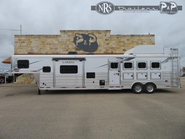 2021 Lakota C8415SR 4 Horse Slant Load Trailer 15 FT LQ With Slides