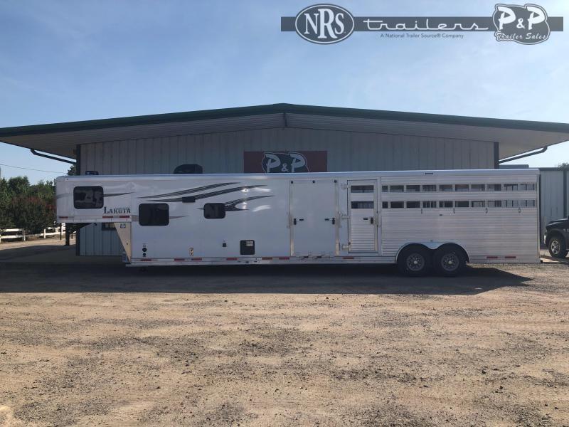 2021 Lakota LE81611SRNS Livestock Trailer LQ