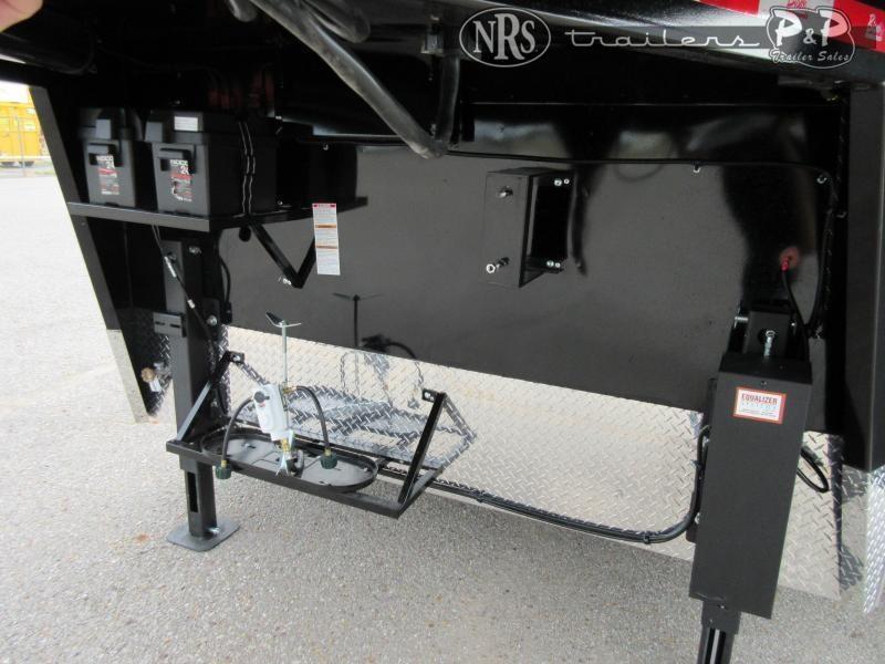 2022 Bison Trailers Ricochet RC8311.S 3 Horse Slant Load Trailer 11 FT LQ With Slides