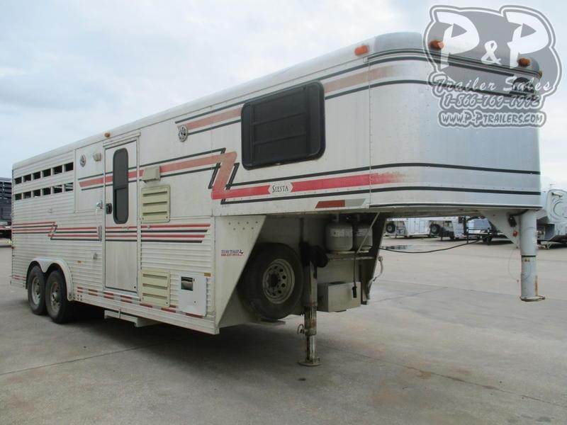 1997 Sundowner Trailers 8008 3 Horse 8' Short Wall
