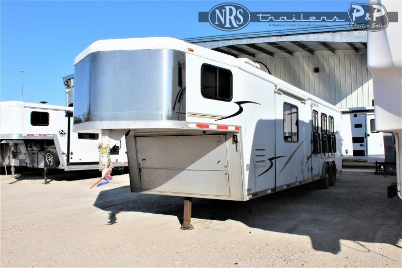 2007 Bison Trailers Alumasport 8312SE 3 Horse Slant Load Trailer 12 FT LQ With Slides